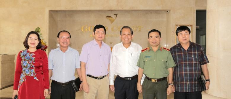 Gold-Coast-Hotel-Resort & Spa-Vinh-dự-đón-tiếp-phó-thủ-tướng-Trương- Hòa- Bình- trong- chuyến- công- tác- tạ-i Quảng- Bình.