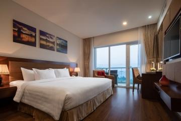 Premier Suite Ocean View